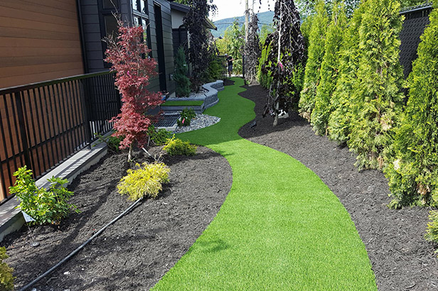 synthetic-lawn-path Artificial Grass Kelowna